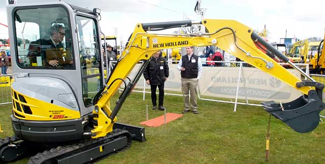 A contender tests his skills in the New Holland competition.