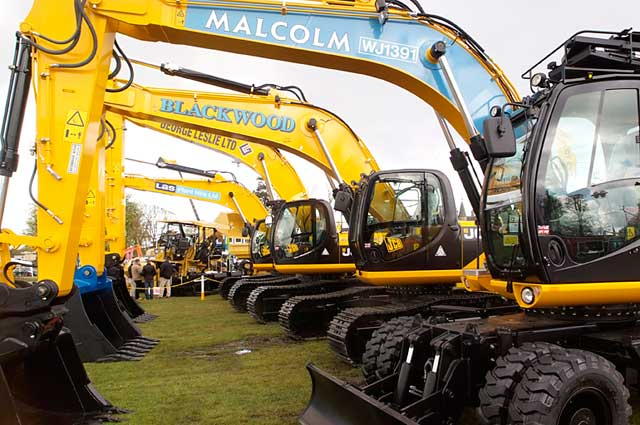 THE HEAVY TEAM: A selection of excavators for customers including WH Malcolm, Blackwood Plant, George Leslie and Las Plant Hire.